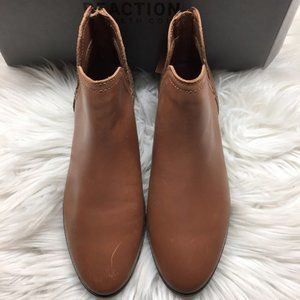 Kenneth Cole Reaction Ankle Booties 6.5M